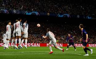 Missile en lucarne incoming, by Lionel Messi