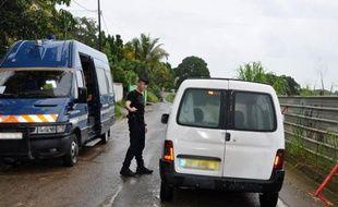 Des gendarmes (Guadeloupe).