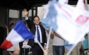 """François Hollande a levé le voile mercredi sur ce que seront les premières mesures de son quinquennat pour """"agir vite et en cohérence"""" en cas de victoire, une manière de lancer le """"troisième temps"""" de sa campagne après les étapes du Bourget et du projet chiffré fin janvier."""
