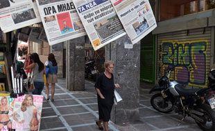 Un kiosque à journaux à Athènes, photographié le 1er juillet 2015.