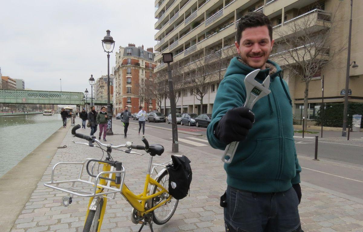 Depuis septembre 2014, Elian Alluin est cycloplombier à Paris. – F. Pouliquen / 20 Minutes
