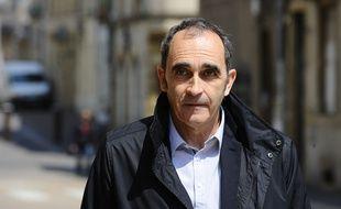 L'ancien gendarme Jean-François Abgrall qui a confessé Francis Heaulme arrive à la Cour d'assises de la Moselle le 9 mai 2017.