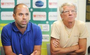 Stéphane Ziani, à gauche, à côté de Guy Hillion, lorsqu'il était directeur technique au FC Nantes en 2011