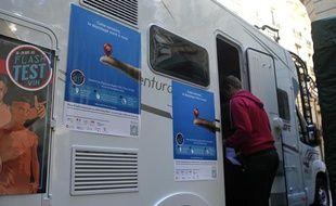 Flash test VIH, opération dépistage rapide du sidale 23 septembre 2013 à Paris.