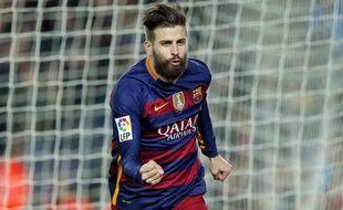 Gerard Pique fête un but contre Séville le 28 février 2016.