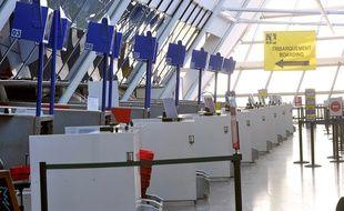 Des guichets d'enregistrement à l'aéroport de Lille-Lesquin