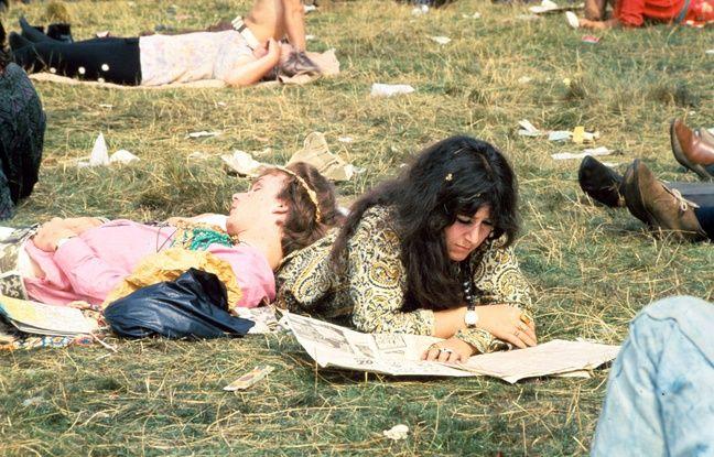 Un rassemblement hippie en 1967 en Angleterre