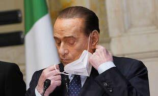 Silvio Berlusconi avait de nouveau été hospitalisé mardi 11 mai après avoir contracté le coronavirus en septembre 2020.