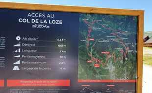 Le panneau d'accès au col de la Loze, en haut de Méribel, avant la piste cyclable.