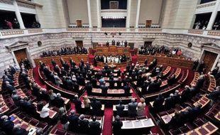 Un amendement en lien avec l'offensive du gouvernement grec contre le parti néonazi Aube dorée et visant à suspendre le financement de cette formation politique est entre les mains du parlement qui doit l'adopter dans la semaine.
