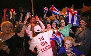 Des milliers d'exilés cubains sont descendus dans les rues de Miami pour fêter la mort de Fidel Castro.
