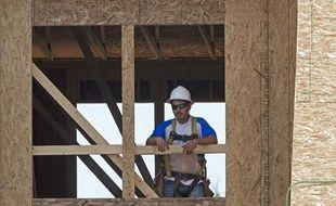 Illustration: Un ouvrier en bâtiment.