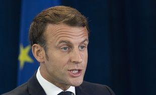 Emmanuel Macron s'est exprimé sur l'immigration et le voile.