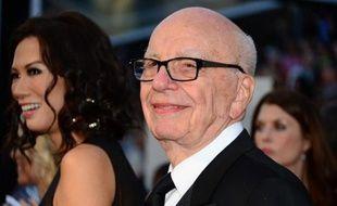 Le groupe de médias News Corp, issu de la scission de l'empire médiatique du milliardaire Rupert Murdoch, a annoncé mardi la vente de 33 petits journaux locaux et publications américains.