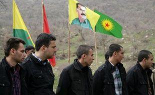 Les rebelles kurdes du Parti des travailleurs du Kurdistan (PKK) ont libéré mercredi, comme convenu, huit prisonniers turcs qu'ils détenaient depuis deux ans dans une base du nord de l'Irak, un geste en direction du gouvernement d'Ankara destiné à favoriser les discussions de paix engagées en décembre.