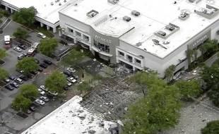 Un centre commercial complètement détruit après l'explosion au gaz survenue dans la ville de Plantation, en Floride (Etats-Unis), le 6 juillet 2019.