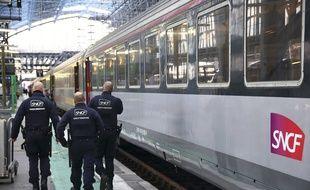 Des agents de la sûreté ferroviaire à la gare de Bordeaux Saint-Jean. (illustration)