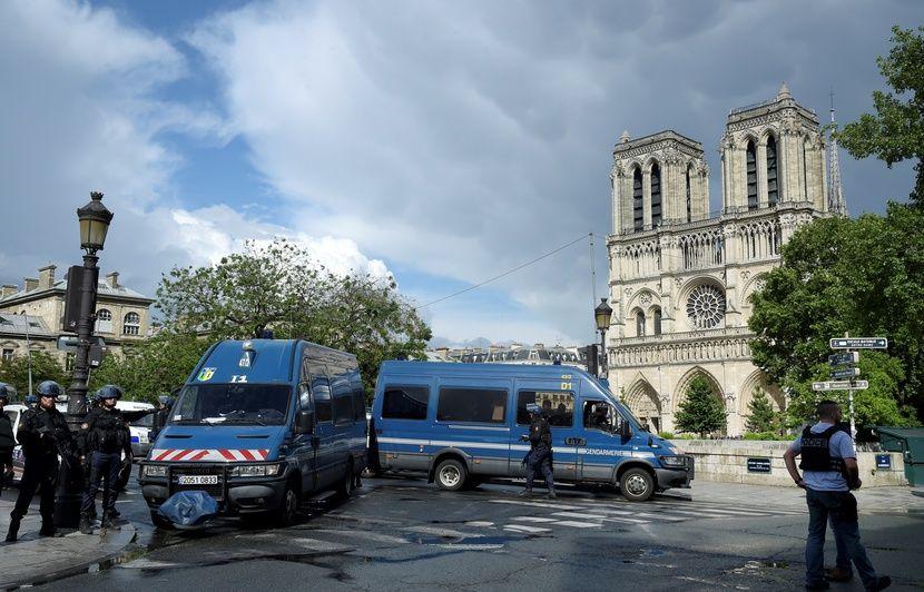 Attentat déjoué devant Notre-Dame de Paris : «Un commando» de femmes aux assises
