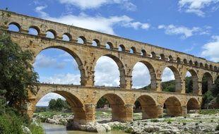 Le Pont du Gard, un aqueduc sur trois étages qui figure au pratrimoine mondial de l'humanité.