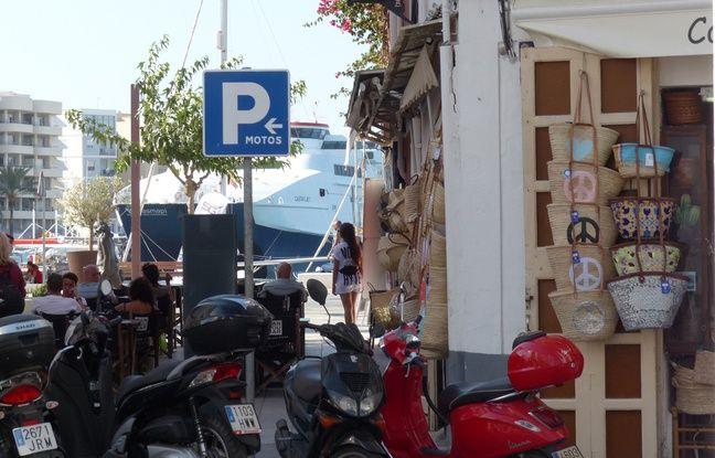 L'esprit hippie à la sauce mercantile dans la vieille ville d'Eivissa