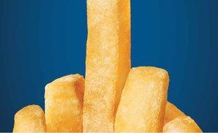 Un paquet de frites en forme de doigt d'honneur repris comme symbole suite aux attentats de Bruxelles
