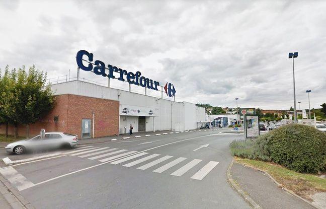 Suppression de postes chez Carrefour: Des salariés ont manifesté devant l'hypermarché de Château-Thierry