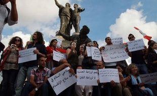 Le Liban est devenu l'otage du conflit dans la Syrie voisine après une série d'incidents meurtriers impliquant des adversaires et des sympathisants du régime du président Bachar al-Assad, estiment des experts.