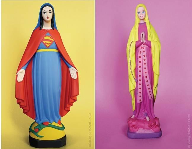 La Vierge Marie versions Superman et Barbie.