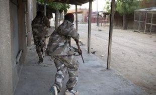 Des soldats maliens en action à Gao le 13 avril 2013
