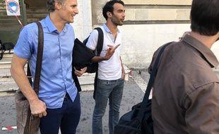 Kevin Vacher et son avocat Laurent Bartolomei à la sortie du tribunal.