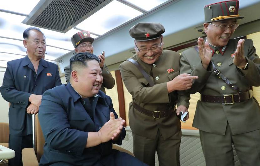 La Corée du Nord a tiré deux nouveaux projectiles en mer, selon Séoul