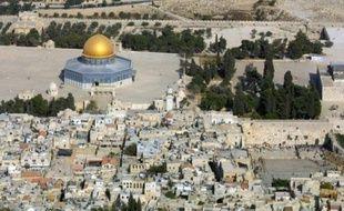 Vue générale de la vieille ville de Jérusalem avec l'esplanade des mosquées