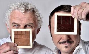 Le chocolatier François Pralus est le premier au monde à proposer des tablettes de café à croquer, qu'il a élaboré grâce à une idée de Vincent Ferniot.