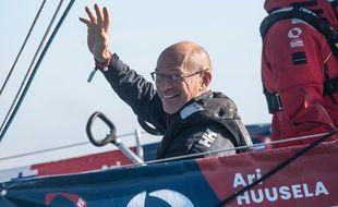 Le Finlandais Ari Huusela (Stark) est arrivé aux Sables pour boucler le Vendée Globe en 25e et dernière position, le 5 mars 2021.