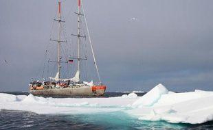 Elle a fait le tour de l'océan Arctique pour prélever ces micro-organismes marins qui en disent tant sur la biosphère et le réchauffement climatique: la mission Tara vient de clore avec succès cinq mois d'épopée scientifique dans le grand nord.