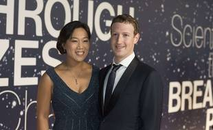 Mark Zuckerberg et son épouse Priscilla Chan à Mountain View, en Californie, le 9 novembre 2015.