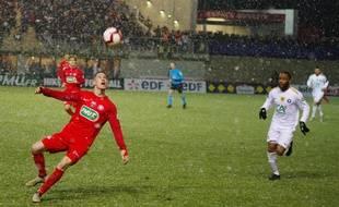 Double buteur ce mardi, Franck Julienne (à droite) a envoyé Lyon Duchère en 8es de finale grâce au succès (1-2) contre Anthony Vacheron et Andrézieux.