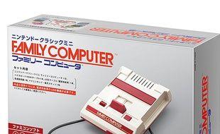 La mini Famicom de Nintendo.