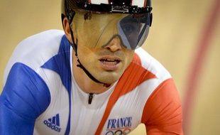 Le pistard français Mickaël Bourgain, éliminé en demi-finale du keirin, lors des Jeux olympiques de Londres, le 7 août 2012.