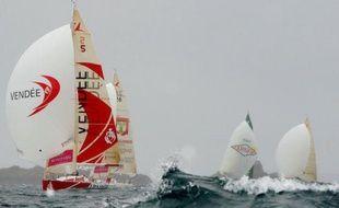 Le Français Yann Eliès était en tête lundi après-midi de la flotte des concurrents de la Solitaire du Figaro, partis la veille de Paimpol (Côtes d'Armor) en direction de Gijon (nord de l'Espagne), terme de la première des trois étapes de la course.