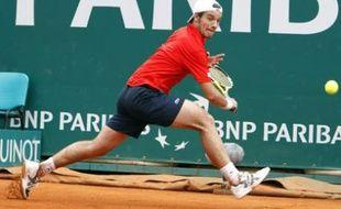 Le joueur de tennis Richard Gasquet retourne un service du Belge Kristof Vliegen lors du deuxième tour du tournoi de Monte-Carlo
