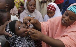 Illustration d'une campagne de vaccination contre la polio au Nigeria.