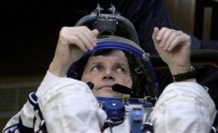 Charles Simonyi a décollé jeudi de la base russe de Baïkonour (Kazakhstan) à bord d'un vaisseau Soyouz, devenant le premier touriste de l'espace à effectuer un second vol vers les étoiles.