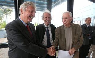 Jules Hoffmann, Prix Nobel de médecine en 2011 (à gauche) et Jean-Marie Lehn, Prix Nobel de chimie en 1987 (à droite), viennent de signer une tribune dans «Le Monde» contre l'annulation de 256 millions d'euros de crédits pour la recherche et l'enseignement supérieur en France.