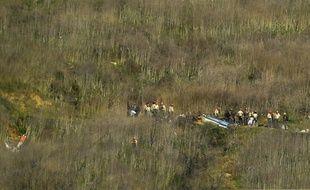 La scène du crash de l'hélicoptère transportant Kobe Bryant et huit autres personnes dans les collines de Calabasas, le 27 janvier 2020.