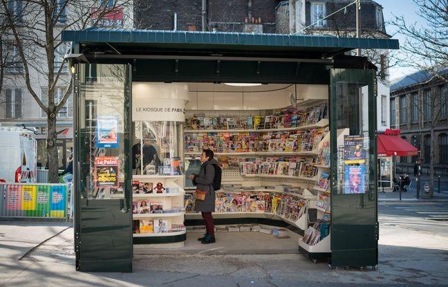 Un kiosque à journaux à Paris avant les mesures de confinement. (Illustration)