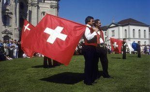 Des lanceurs de drapeaux suisses à Saint-Gall.