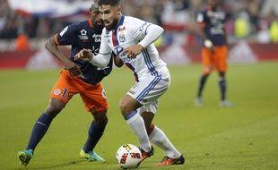 Nabil Fekir, ici opposé à Souleymane Camara, a parfois survolé la rencontre face à Montpellier ce mercredi.
