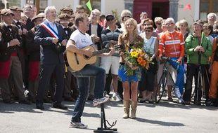 Noisette et Julie Taton à Luz-Saint-Sauveur dans «Coup de foudre au prochain village»