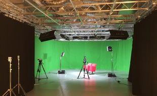 Le studio mis en place au YouTube Space parisien, qui a ouvert ses portes le 1er octobre 2015 au siège de Google.